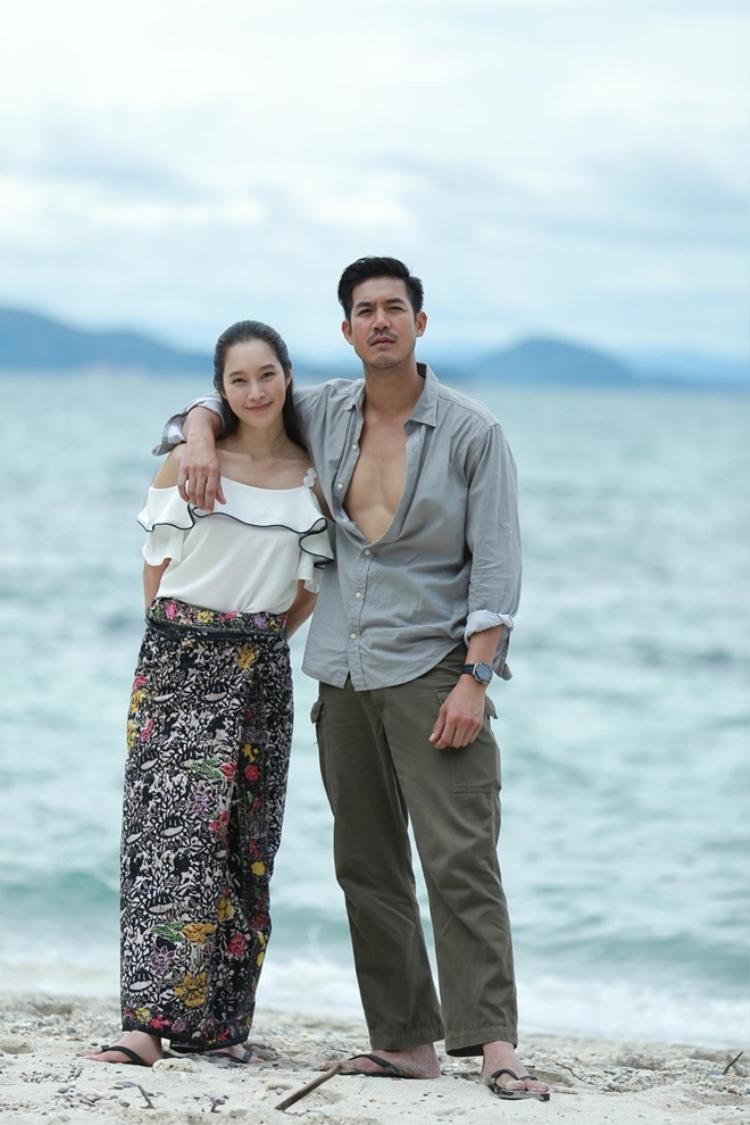 'Tình mới' đẹp như hoa hậu Đặng Thu Thảo của Weir Sukollawat bị khui ảnh quá khứ xấu xí