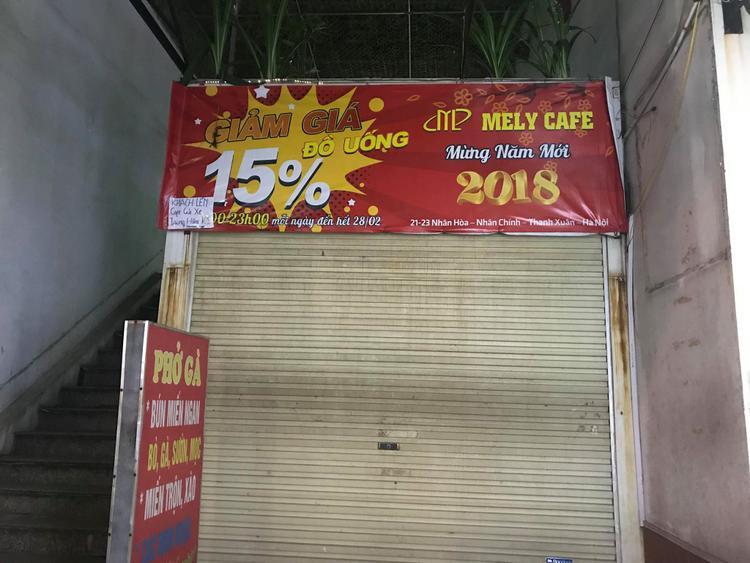 Phó Giám đốc sở Giáo dục & Đào tạo Hà Nội khẳng định, người phụ nữ bê phở ra, vào điểm thi trường THCS Phan Đình Giót được báo chí phản ánh là nhân viên của hội đồng thi, không phải nhân viên quán phở.