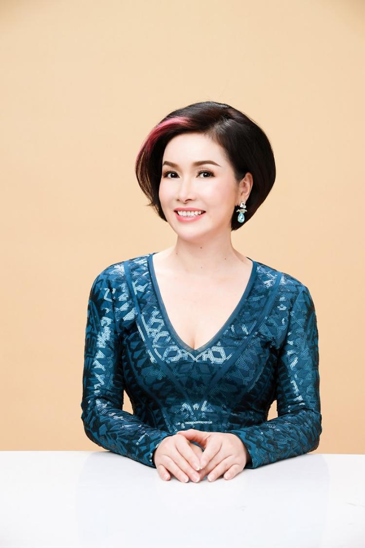 Hoa hậu Việt Nam 2018: Sau 30 năm, hoa hậu đầu tiên và hoa hậu đương nhiệm cùng ngồi ghế giám khảo