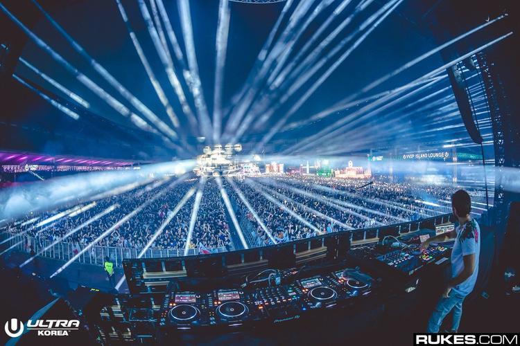 Đến DJ hàng đầu thế giới như Zedd còn phải làm thế này, thử hỏi sức hút của BTS lớn đến mức nào?