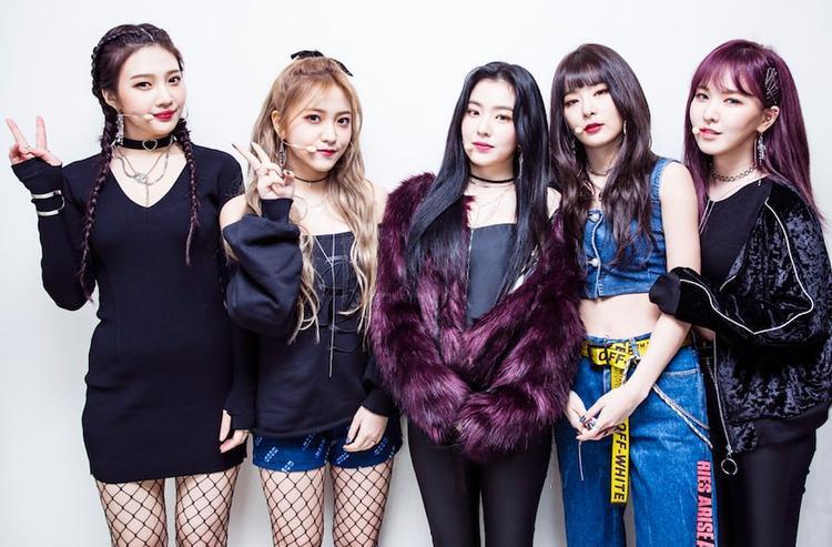 """5 cô nàng Red Velvet đang dần mất đi độ """"hot"""" và đã rớt xuống vị trí thứ 4 trong tháng này."""