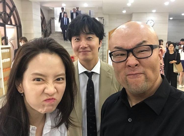 Jung Il Woo  Lee Sang Seob bất ngờ xuất hiện cùng gia đình Running Man tại đám cưới PD Hwan Jin