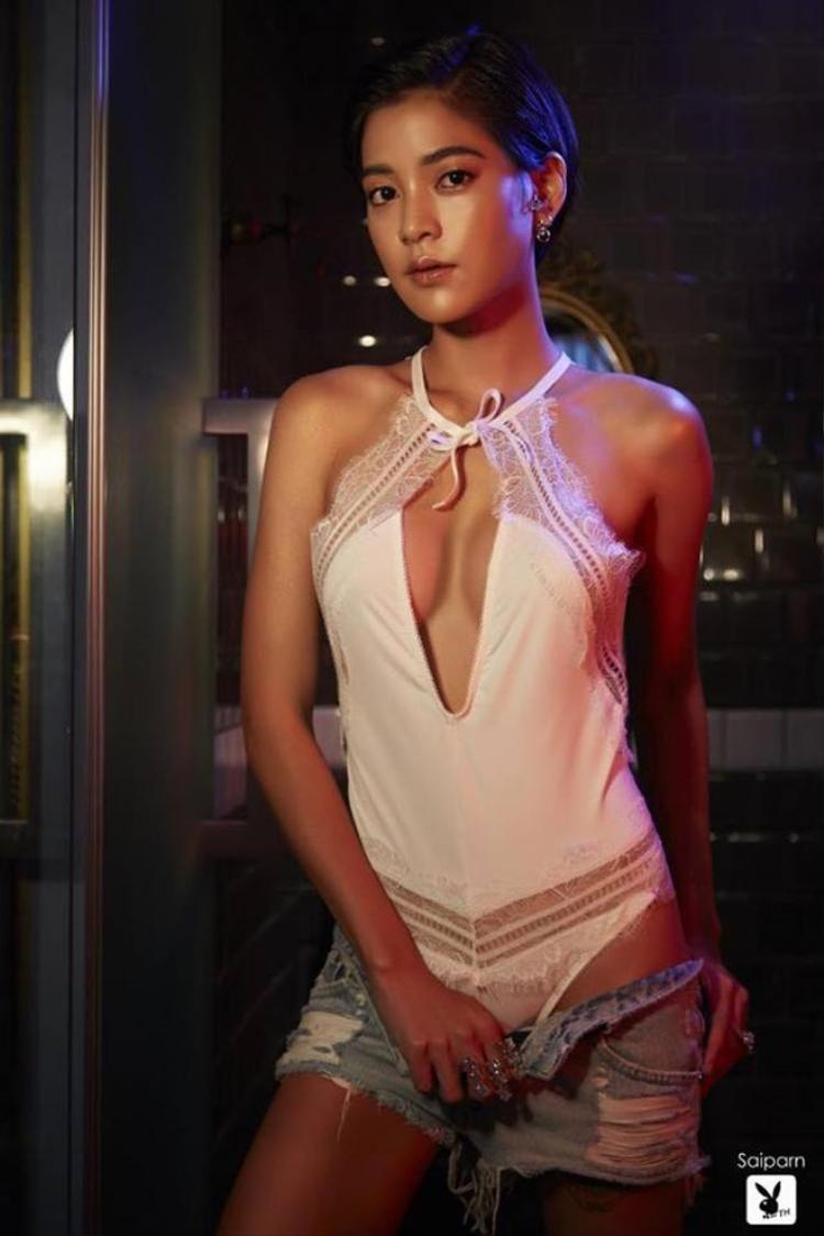 Lee của Tình yêu không có lỗi, lỗi ở bạn thân đang được netizen Thái chú ý sau khi thực hiện bộ ảnh vô cùng táo bạo và quyến rũ.