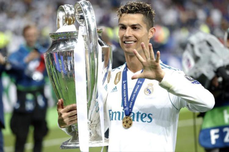 Real đã quyết định tăng lương cho Ronaldo.
