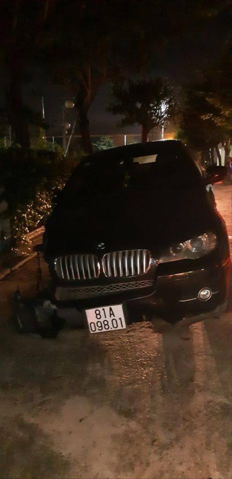 Ô tô BMW bị hư hỏng nặng. Ảnh: Ảnh: Otofun.