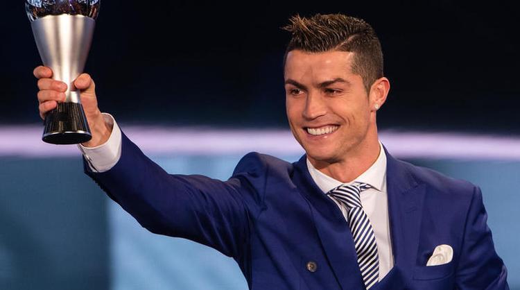 Cristiano Ronaldo là cái tên quá quen thuộc với làng bóng thế giới với nhiều thành tích đáng nể.