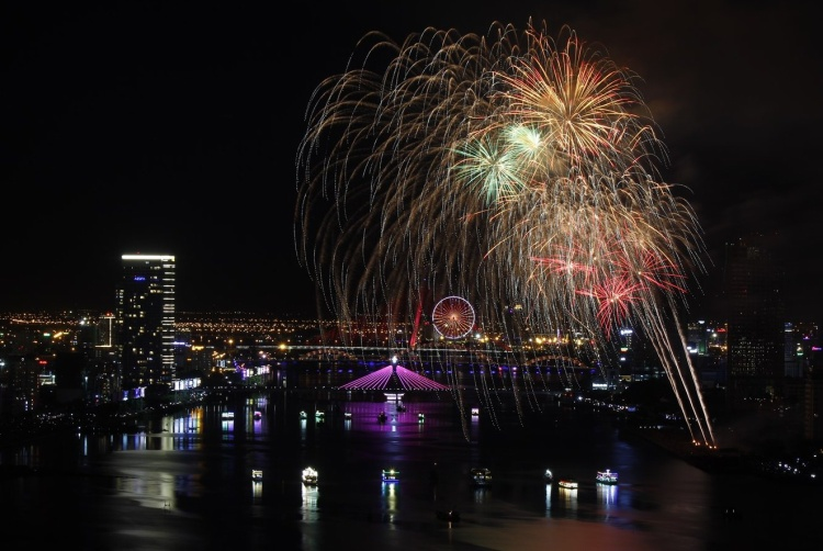 Đêm chung kết Lễ hội pháo hoa quốc tế hứa hẹn sẽ là một bữa tiệc ánh sáng thú vị và bùng nổ.