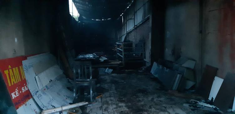 Ngọn lửa không gây thiệt hại về người.