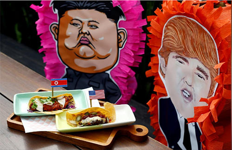Bánh taco và trò chơi pinatas ăn theo thượng đỉnh Mỹ - Triều tại nhà hàng Mexico Lucha Loco, Singapore. Ảnh: Reuters