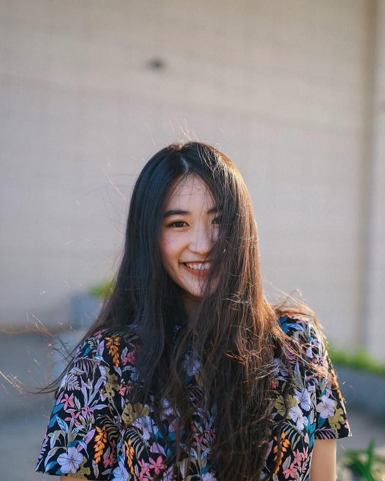 Tạ Minh Anh đang theo học song song giữa chuyên ngành Quản trị sự kiện tại Đại học Greenwich vàNhạc viện TP.HCM. Cô con gái đa tài của NSƯT Tạ Minh Tâm cũng sở hữu nhan sắc khiến người nhìn ngẩn ngơ.