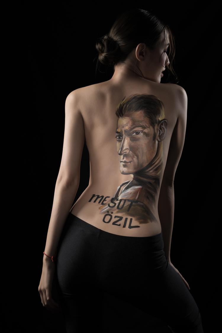 Ozil là cầu thủ được Phương Chi yêu thích nhất tuyển Đức.