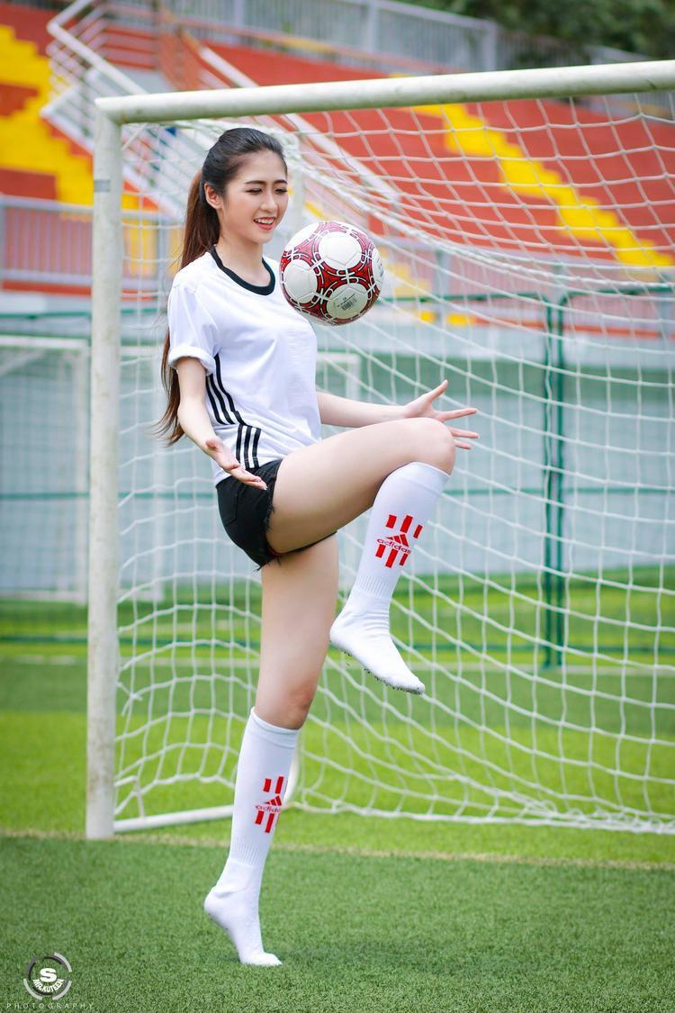 Thùy Dương sở hữu vóc dáng đẹp nhờ chăm chỉ tập thể thao.