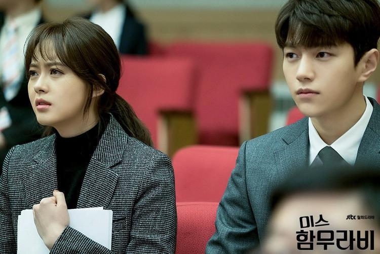SM bắt Go Ara trở thành búp bê câm, fan Hàn dậy sóng đồng thời khuyên Lee Yeon Hee nhanh rời công ty