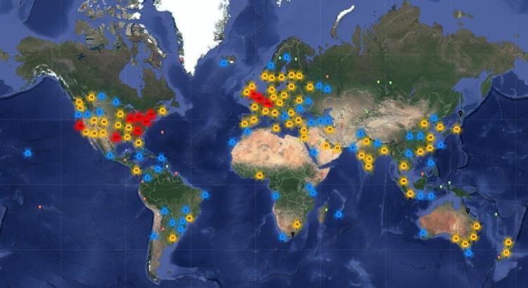 Về cơ bản, nhiệm vụ của Internet là truyền thông tin từ điểm A tới điểm B. Các điểm này đều là địa chỉ Internet và chính là thứ các thiết bị bạn đang sử dụng kết nối vào. Thông tin được truyền qua web tới máy chủ dữ liệu Internet tại các trung tâm dữ liệu vòng quanh thế giới. Cách đây một thập kỷ, lượng dữ liệu đi qua các trung tâm này vào khoảng 9,5 nghìn tỷ gigabyte.