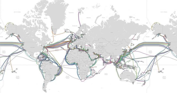 Thông tin được chuyển tới và đi từ máy chủ thường qua các tuyến cáp biển liên lục địa. Toàn bộ hạ tầng Internet thế giới đang dựa vào cáp biển do có tốc độ nhanh hơn và chi phí rẻ hơn vệ tinh. Tuy nhiên, để xây dựng các tuyến cáp biển khắp đại dương, con người phải mất tối thiểu 200 năm.