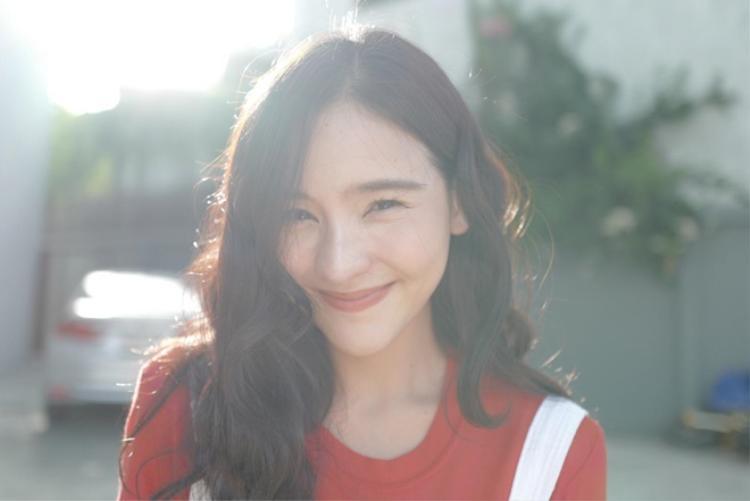 Tình yêu khiến Aom vui vẻ và xinh đẹp hơn.