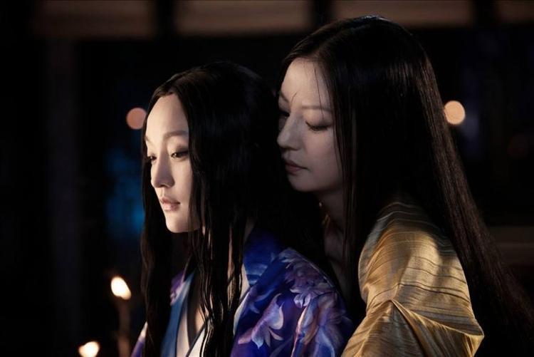 """Mối quan hệ giữa Tĩnh công chúa - Triệu Vy và hồ ly Tiểu Duy - Châu Tấn trong """"Họa bì 2"""" còn gây tò mò hơn cả mối tình với Hoắc Tâm - Trần Khôn."""