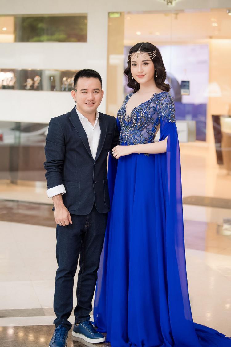 Nhà thiết kế Lê Thanh Hòa và Á hậu Huyền My.