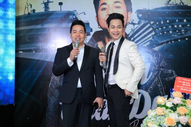 Quang Lê là bạn thân thiết của Quách Tuấn Du nhiều năm, tại đây anh cũng gửi đến khán giả nhiều tình khúc Bolero nổi tiếng qua giọng ca Huế ngọt ngào.