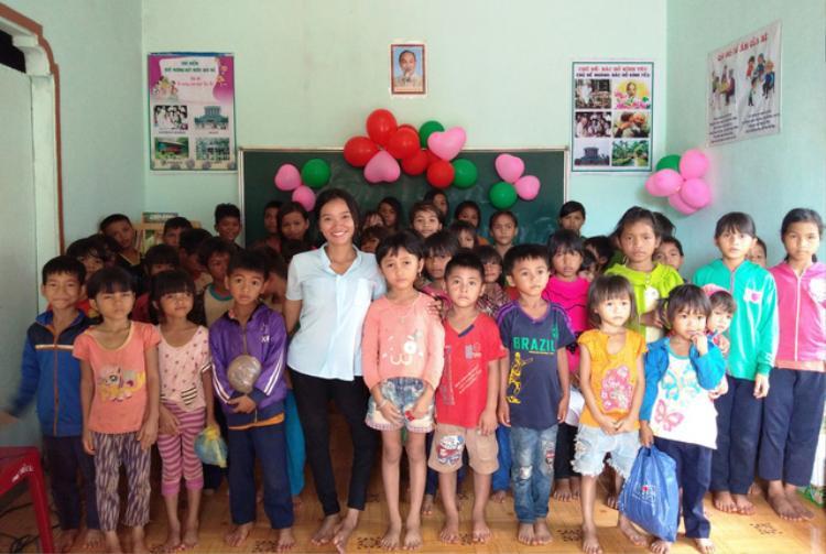 Tình yêu nghề, yêu học sinh đã tạo động lực giúp cô giáo khuyết tật mở lớp học miễn phí