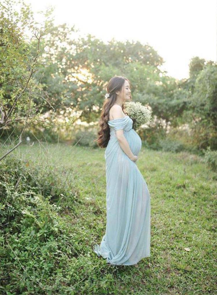Mẹ trẻ Nguyễn Y Vân xinh như nữ thần lúc mang thai.