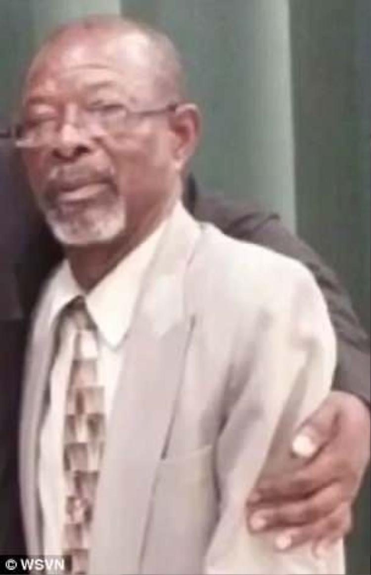 Roosevelt Bernard, 68 tuổi.