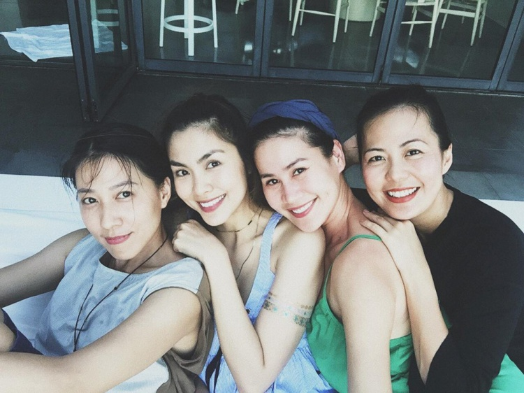 Hôi bạn thân của Tăng Thanh Hà gồm: Thuỳ Trang, Thân Thuý Hà và Bùi Việt Hà.