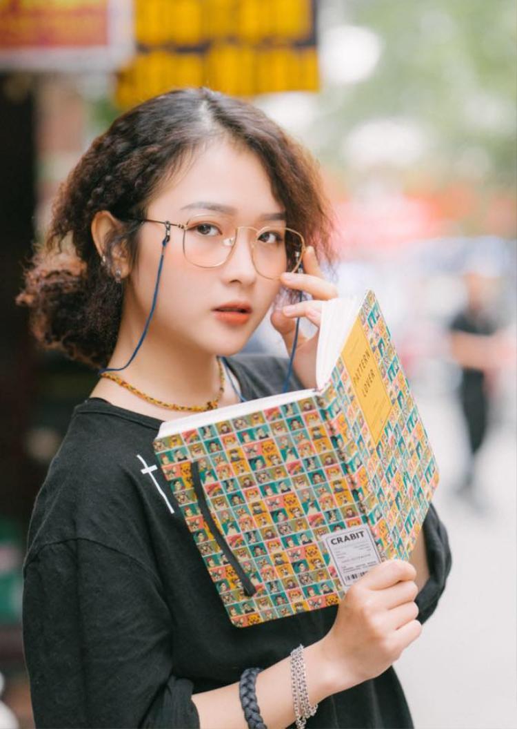 Lê Na rất đam mê nghệ thuật nên cô nàng luôn cố gắng trau dồi kinh nghiệm.