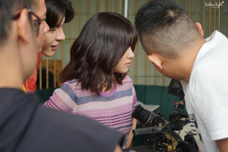Theo Hoàng Yến, MV này là sản phẩm tâm huyết, nỗ lực không riêng cô mà còn cả e-kip, khao khát mang đến cho khán giả sản phẩm chỉn chu, hoàn hảo nhất.