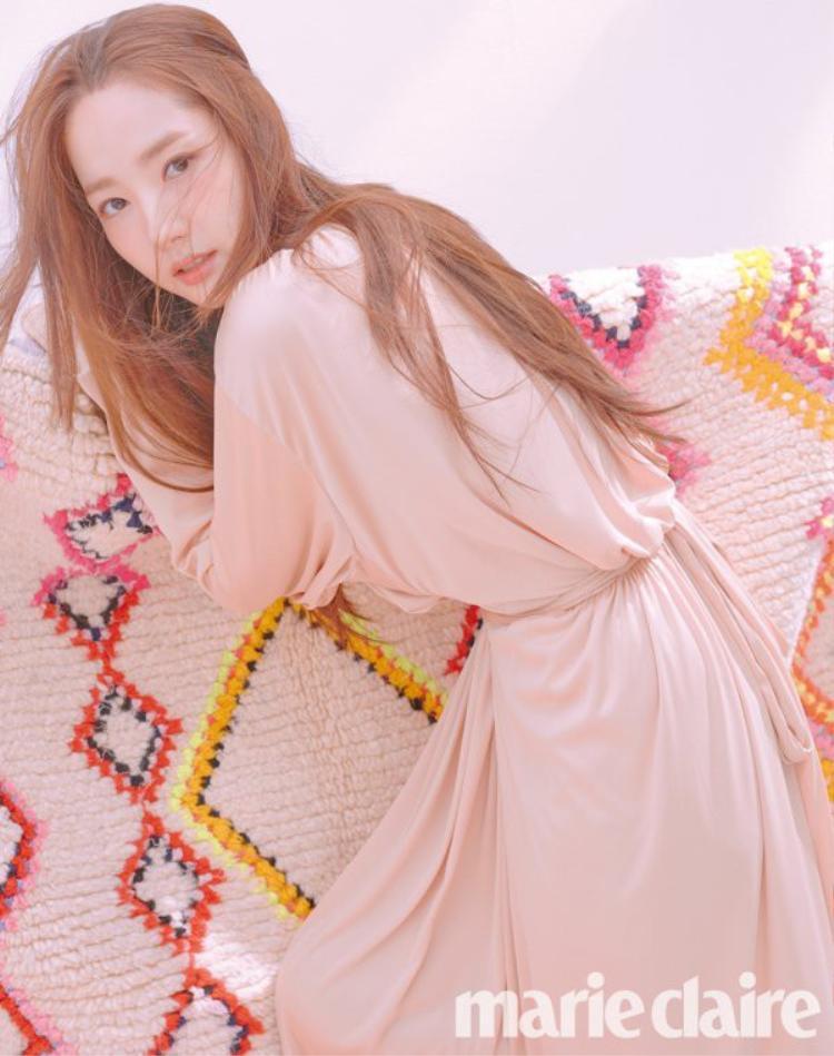 """Năm 2018, nhan sắc của Park Min Young một lần nữa được truyền thông và công chúng mang ra """"mổ xẻ"""" vì quá xinh đẹp và """"lão hóa ngược"""" theo thời gian."""