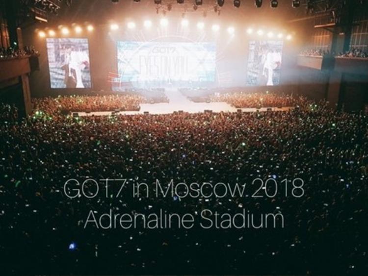 Cùng tổ chức concert ở trời Tây nhưng GOT7 và Wanna One là một trời một vực
