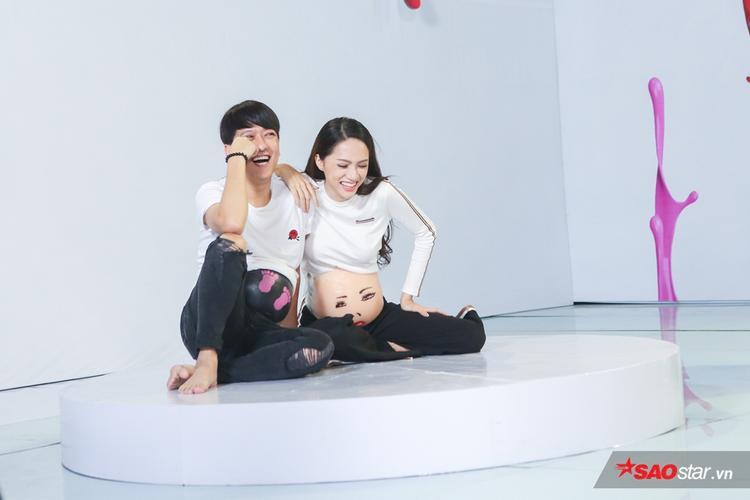 Cặp đôi Trường Giang - Hương Giang với câu chuyện ánh mắt mẹ mãi dõi theo con.