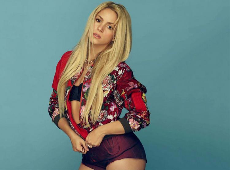 1. Shakira - bạn gái trung vệ Gerard Pique (ĐT Tây Ban Nha).
