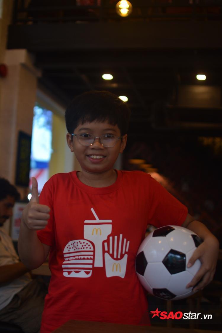Cậu bé Việt duy nhất được xuất hiện trong chung kết World Cup: Mê nhất chú Messi