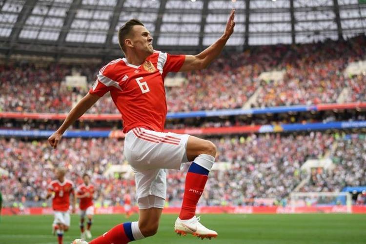 Cheryshev nâng tỷ số lên 2-0 cho Nga. Ảnh: FIFA
