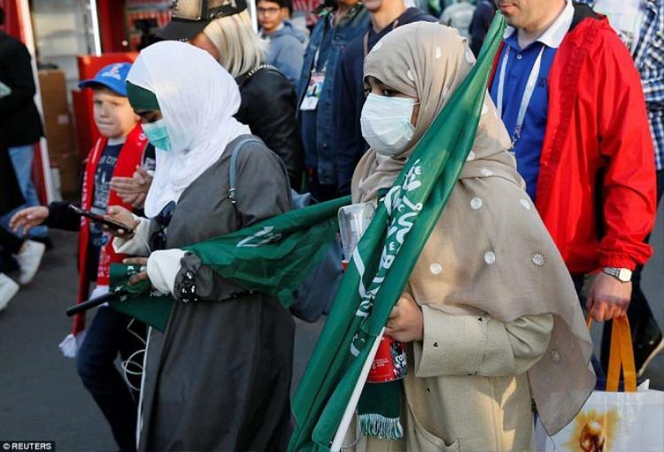Chính phủ Saudi Arabia mới cho phép phụ nữ nước này đến sân cổ vũ bóng đá cách đây 5 tháng.