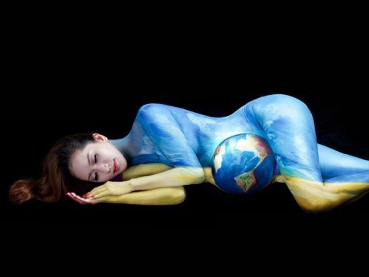 Mẹ đẻ body art Việt Nam: Vẽ nude khi chỉ có 2 người là thể hiện sự không tôn trọng bản thân của cả người mẫu và họa sĩ