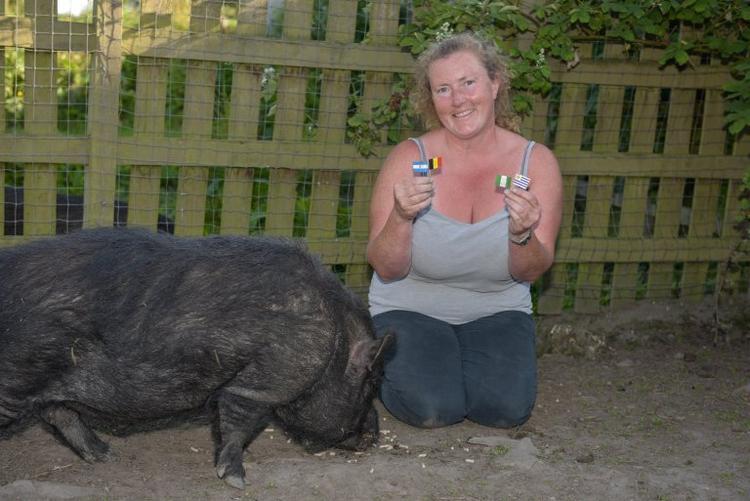 Marcus và người nông dânJuliette Stevens.