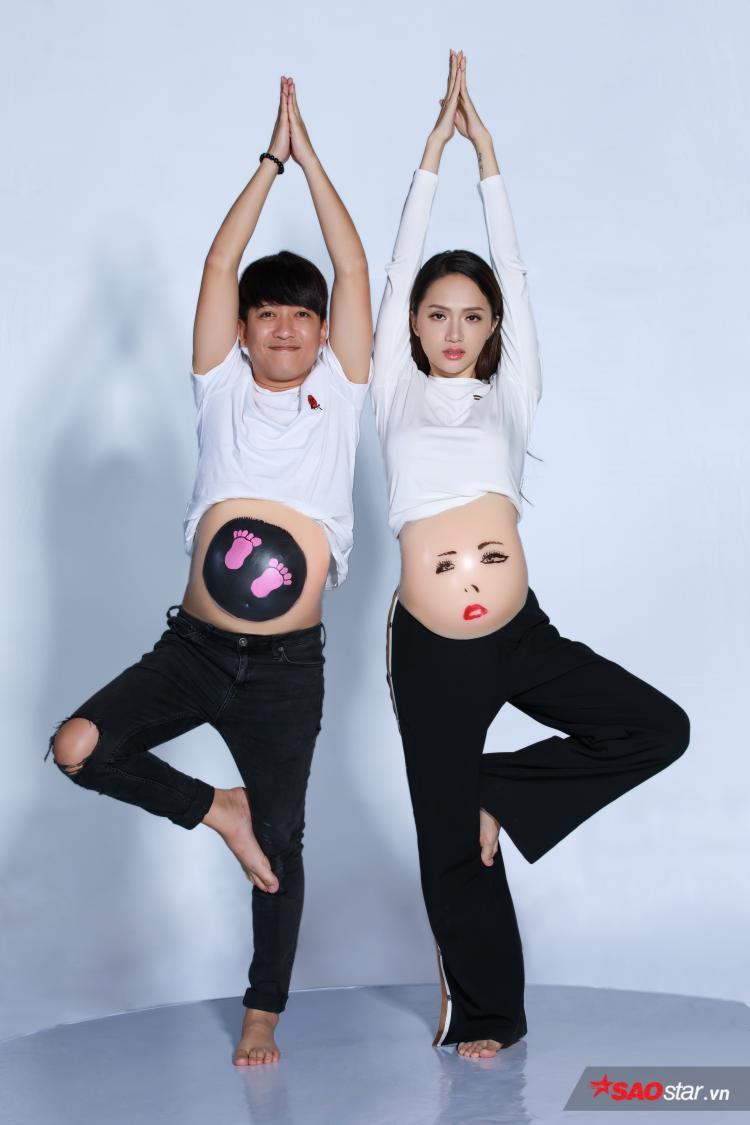 Cặp đôi Song Giang với những hình ảnh trên chiếc bụng bầu ngộ nghĩnh.