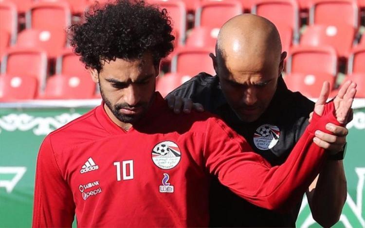 Salah đang hồi phục chấn thương.