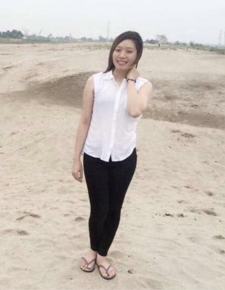 """Ba năm trước, Bùi Thị Trang từng sở hữu thân hình khá mũm mĩm với số đo vòng hai lên đến 78cm. Cơ thể """"phúng phính"""" mỡ khiến Trang mất tự tin và cảm thấy mọi thứ thu hẹp với bản thân. Vì thế, Trang quyết định đến với gym để thay đổi."""