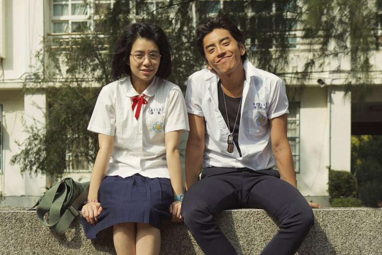 """""""Our Times"""" - bộ phim xứ Đài đã từng làm tan chảy trái tim của rất nhiều cô gái với chuyện tình trai hư - gái ngoan."""