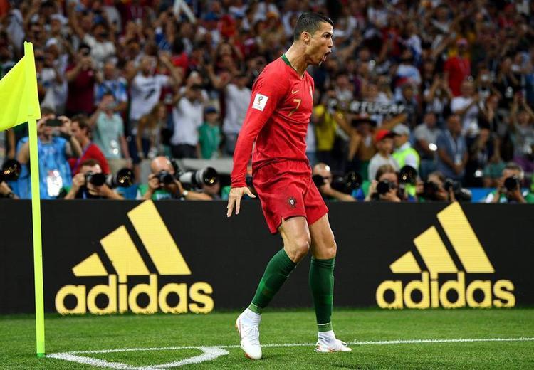 Ronaldo ăn mừng bàn thắng mở tỷ số. Ảnh: FIFA