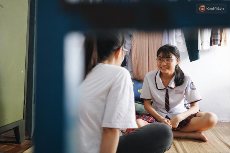 Khánh Duyên, nữ sinh nhà nghèo học giỏi, sắp tham dự kỳ thi THPT Quốc gia.