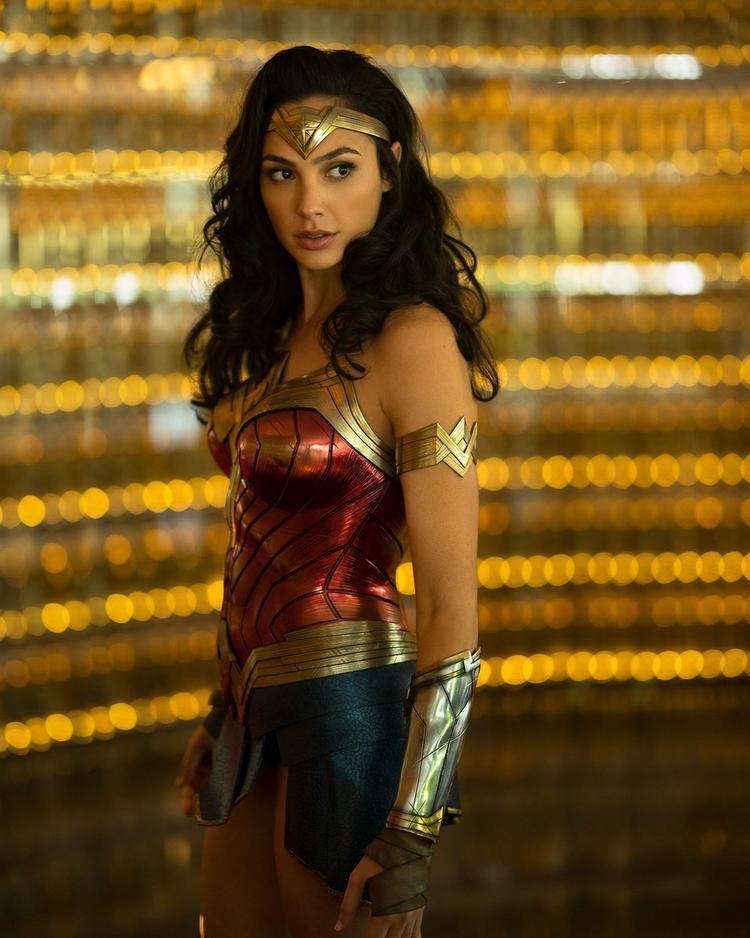Hình ảnh đầu tiên của Wonder Woman trong phần hai đã được hé lộ