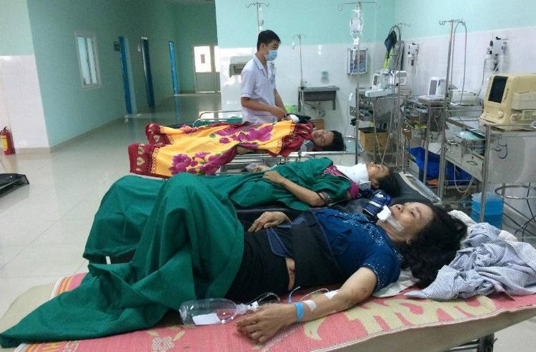 Nạn nhân bị thương nặng đang cấp cứu tại bệnh viện. Ảnh: Vietnamnet.