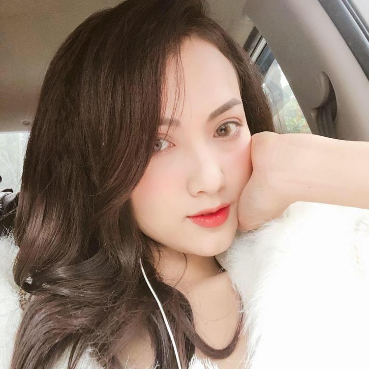 """Mới đây nhất, hot girl Hà Vũ cũng gây chú ý với vai diễn phản diện trong MV """"Rời bỏ"""" của nữ ca sĩ Hòa Minzy."""