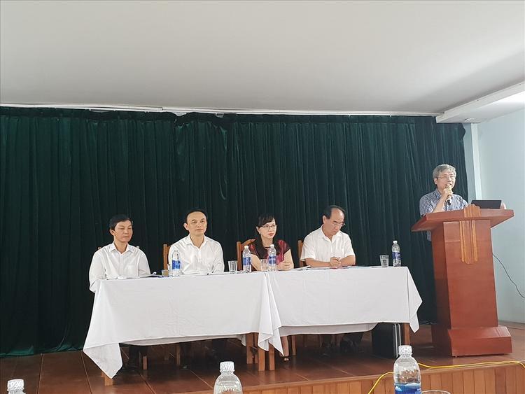Đại diện Bộ GDĐT trao đổi thông tin công tác chuẩn bị tổ chức thi THPT quốc gia 2018. Ảnh: Báo Lao Động.