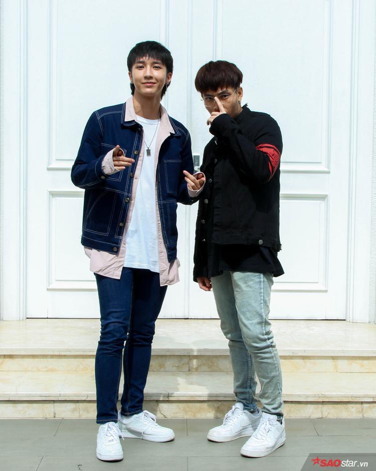 KEY và J