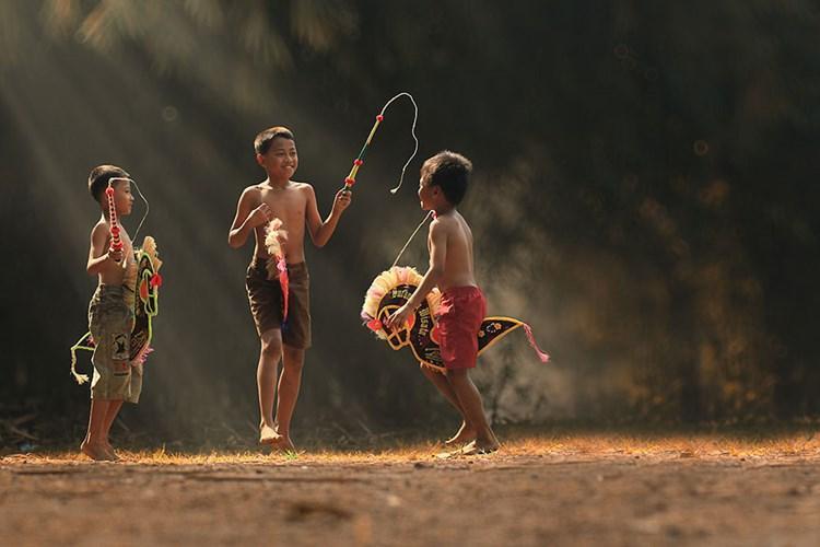 Mùa hè luôn là ngày tháng đáng mong đợi nhất. Vì khoảng thời gian 3 tháng đó sẽ là món quà cho công học tập chăm chỉ, chúng tôi thoả sức vui chơi, chạy nhảy,… Ảnh:Herman Damar.